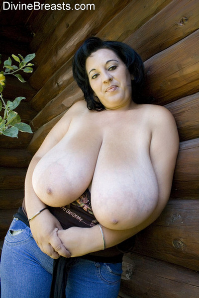 Big natural boobs bbw milf danielle jerking off a tiny boy 4