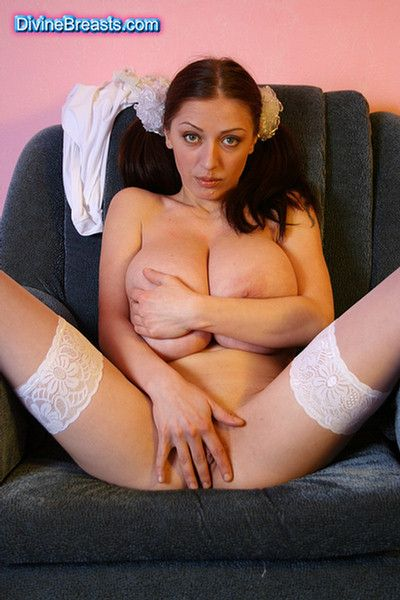 Busty merilyn big tits, irish chick nude
