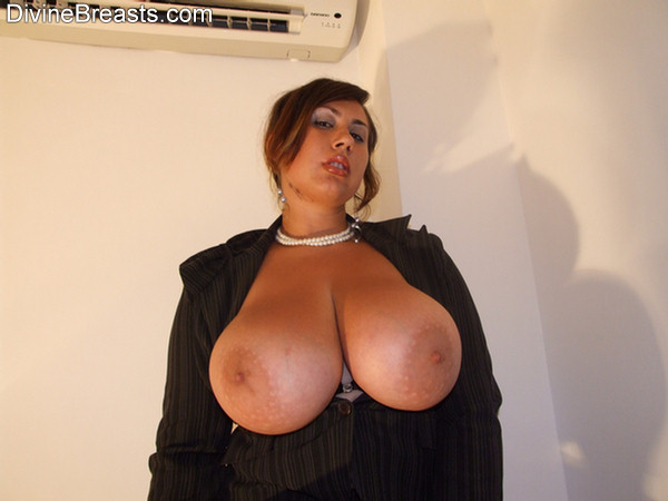 Beautiful big breasts bbw wants you to cum in her mouth 10