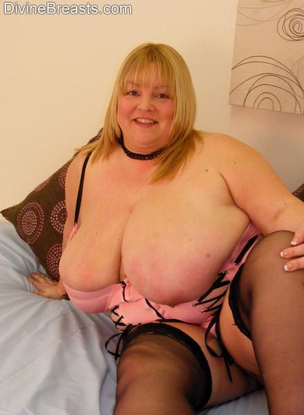 Big huge bouncing tits