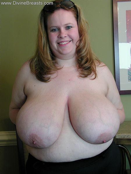 Horny bbw with huge ass fucks dildo 4