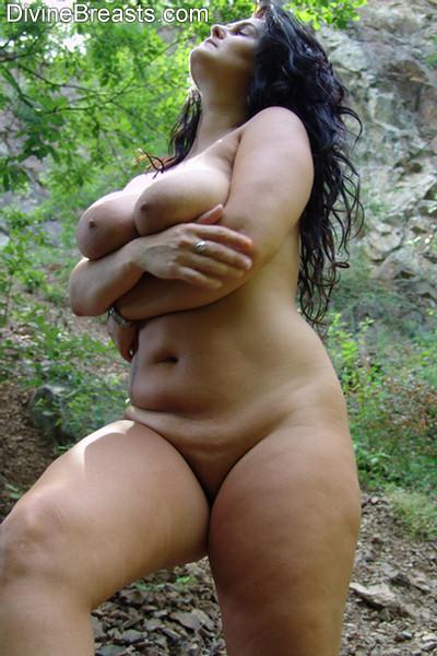 Reny busty natural tits 1 9