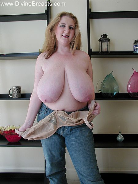 Big milf boobs pictures