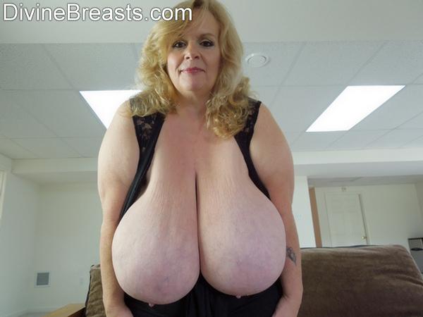 Huge boobs mature sexy lady negrofloripa