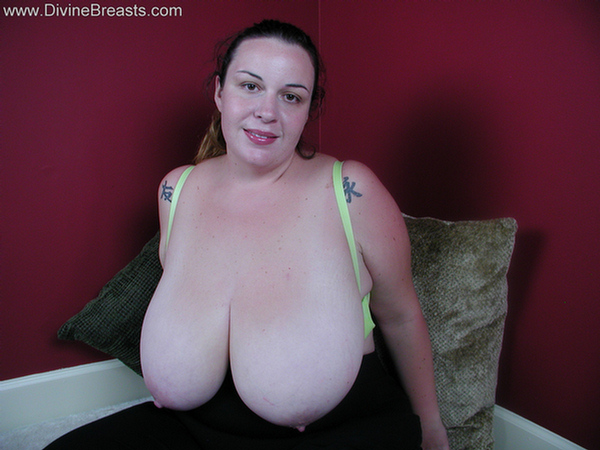 Huge natural boobs and juicy pussy 7