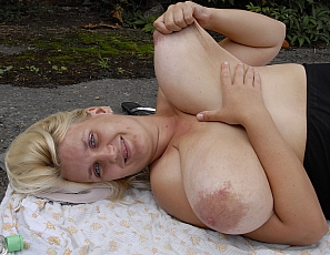 Saggy Sonja Long Big Boobs4